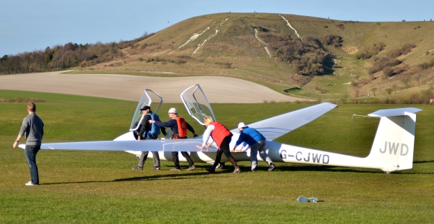 How many pilots does it take to move a glider?